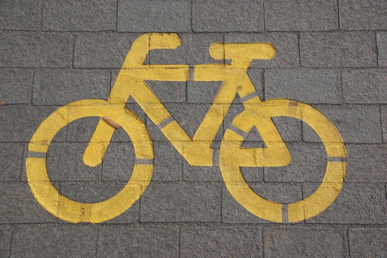 bike 자전거 페인팅 표시 노란색 도로 땅 바닥