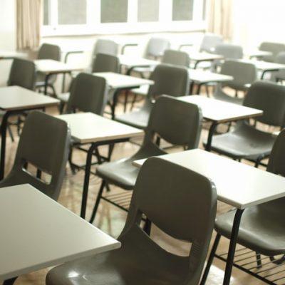학교 책상 교실 비대면 학생